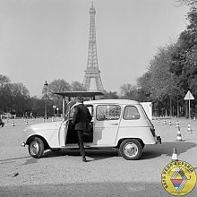 Renault 4 in Paris