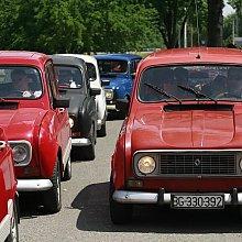 Okupljanje u Novom Sadu, 17.05.2009. by Renault 4 in 2009.