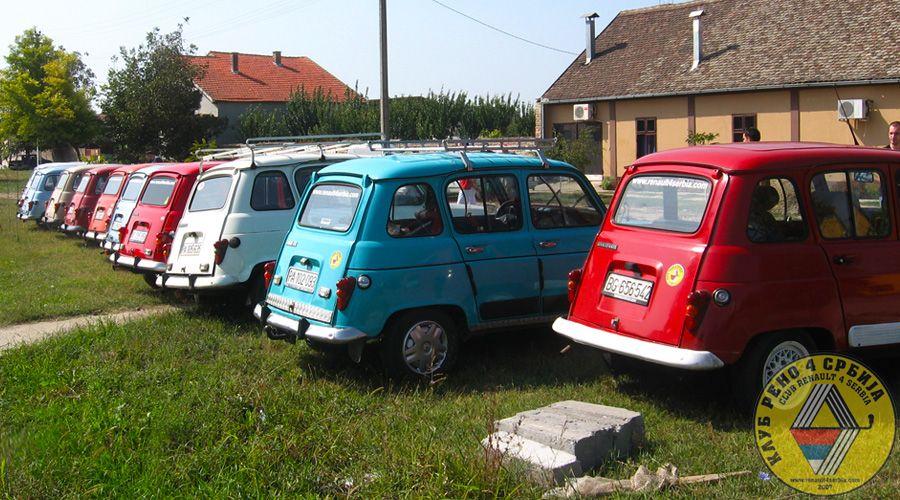 Okupljanje u Omoljici, septembar 2009. godine by Renault 4 in 2009.
